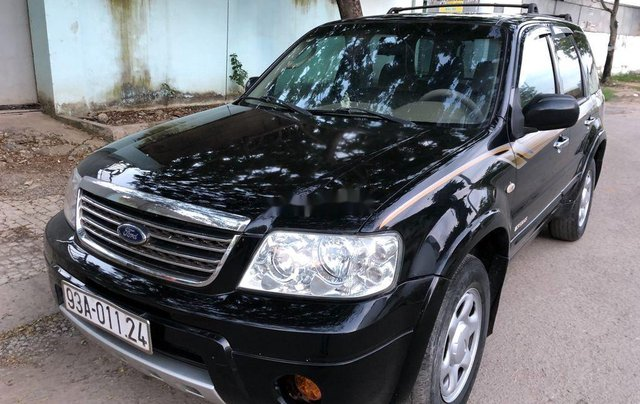 Cần bán xe Ford Escape 2004, màu đen chính chủ, 179tr1