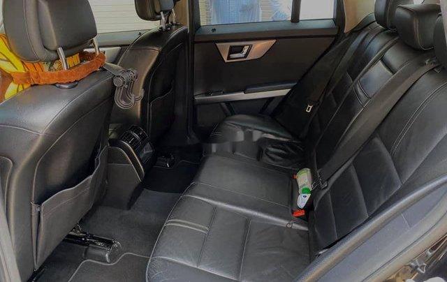 Cần bán gấp Mercedes GLK Class sản xuất năm 2010 còn mới2