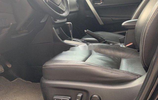 Xe Toyota Corolla Altis sản xuất 2017, màu đen còn mới7