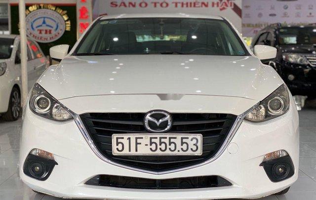 Bán xe Mazda 3 sản xuất năm 2015, màu trắng còn mới, giá tốt0