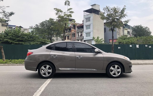 Cần bán Hyundai Avante 1.6 AT sản xuất năm 2012, xe đẹp, biển TP2