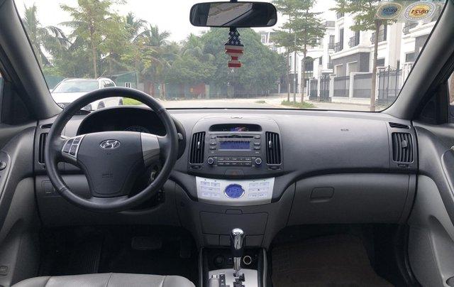 Cần bán Hyundai Avante 1.6 AT sản xuất năm 2012, xe đẹp, biển TP9