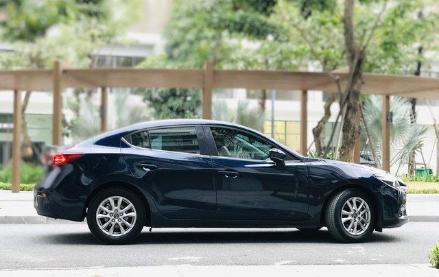 Bán nhanh Mazda 3 Facelift đời 2017 màu xanh tím than, xe siêu đẹp biển HN6