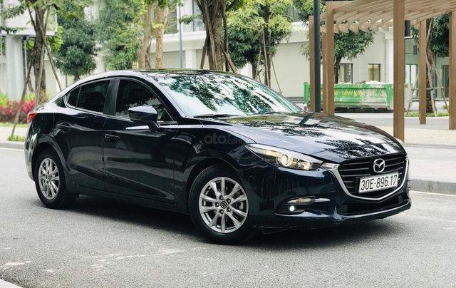 Bán nhanh Mazda 3 Facelift đời 2017 màu xanh tím than, xe siêu đẹp biển HN7