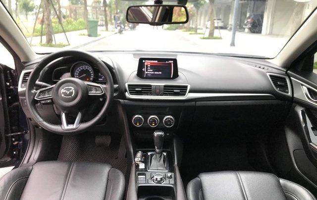 Bán nhanh Mazda 3 Facelift đời 2017 màu xanh tím than, xe siêu đẹp biển HN9