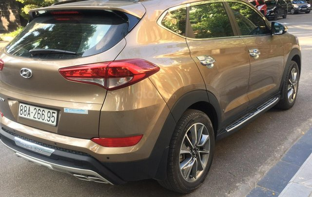 Bán Hyundai Tucson 2.0 AT form mới đời 2019 máy xăng, gốc tỉnh mới đi 18.000 km5