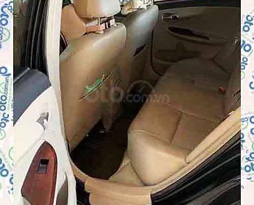 Cần bán Toyota Corolla Altis sản xuất năm 2013, màu đen như mới, 545 triệu3
