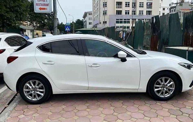 Bán xe Mazda 3 đời 2015, màu trắng chính chủ0