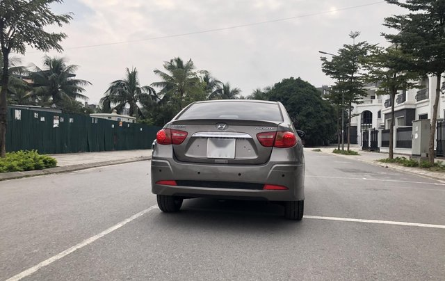 Cần bán Hyundai Avante 1.6 AT sản xuất năm 2012, xe đẹp, biển TP5