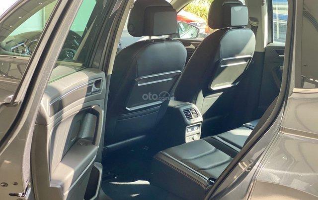 Tiguan Luxury bản Rline màu xám - diện mạo mới - khuyến mãi giá tốt - ngân hàng hỗ trợ 80%6