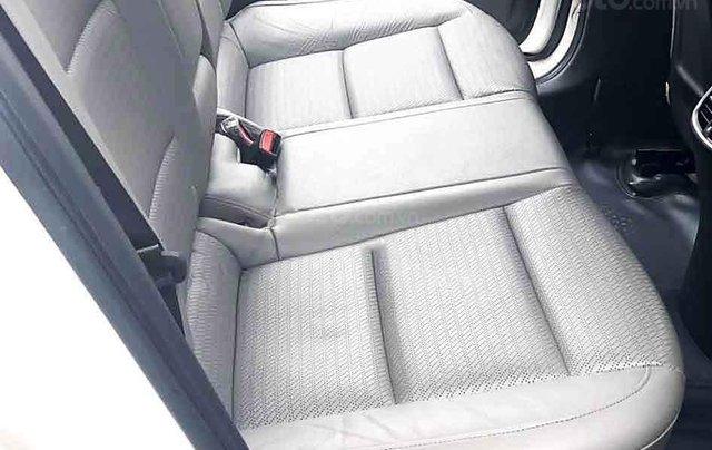 Cần bán xe Hyundai Elantra GLS đời 2017, màu trắng6