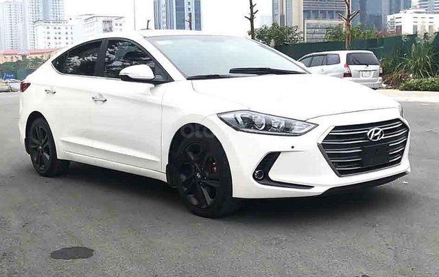 Cần bán xe Hyundai Elantra GLS đời 2017, màu trắng3