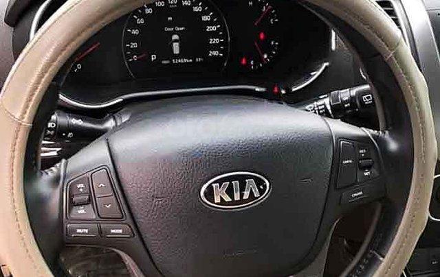 Cần bán Kia Sorento đời 2016, màu bạc số tự động, giá 666tr4