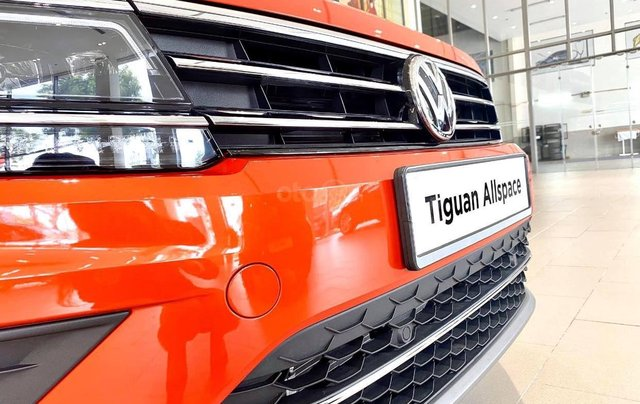 Xe Volkswagen Tiguan Luxury cam nổi bật đẹp mắt - khuyến mãi 120 triệu đồng + quà tặng phụ kiện chính hãng2
