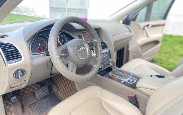 Bán Audi Q7 3.0 Quattro, đăng ký lần đầu 2/2011, xe mới đi 94931 km, xe còn rất đẹp biển số tiến sảnh. Giá 990triệu4