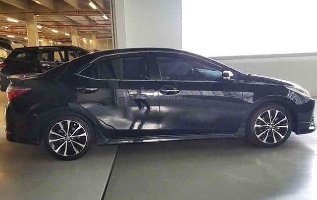 Bán Toyota Corolla Altis đời 2018, màu đen3