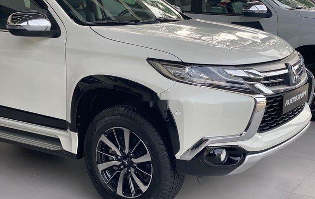 Bán Mitsubishi Pajero Sport 2019, màu trắng, nhập khẩu nguyên chiếc4