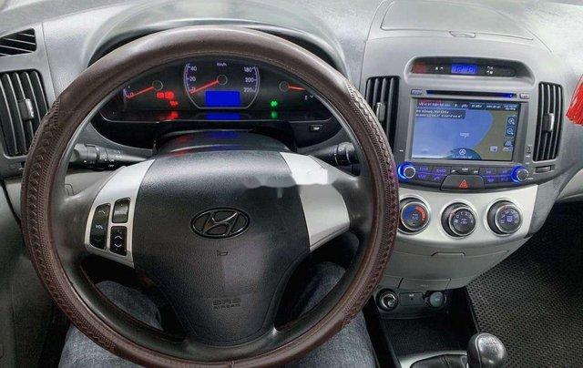 Xe Hyundai Avante sản xuất 2015 còn mới9