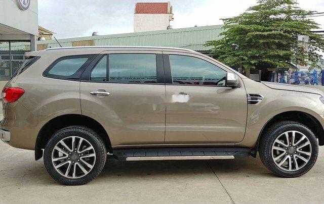 Cần bán lại xe Ford Everest đời 2019, màu nâu, nhập khẩu nguyên chiếc2