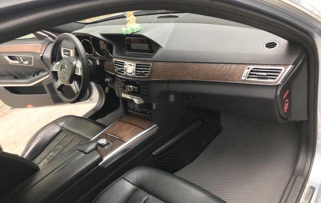 Bán Mercedes E200 năm sản xuất 2013, màu bạc số tự động, giá 870tr7