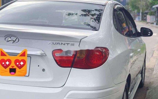 Xe Hyundai Avante sản xuất 2015 còn mới4