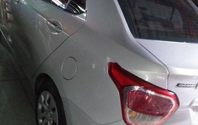 Bán Hyundai Grand i10 2016, màu bạc, nhập khẩu nguyên chiếc3