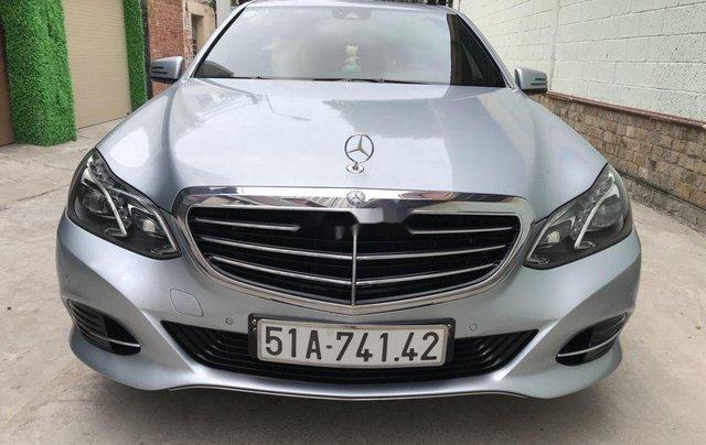 Bán Mercedes E200 năm sản xuất 2013, màu bạc số tự động, giá 870tr0