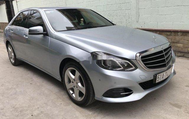 Bán Mercedes E200 năm sản xuất 2013, màu bạc số tự động, giá 870tr1