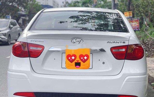 Xe Hyundai Avante sản xuất 2015 còn mới1