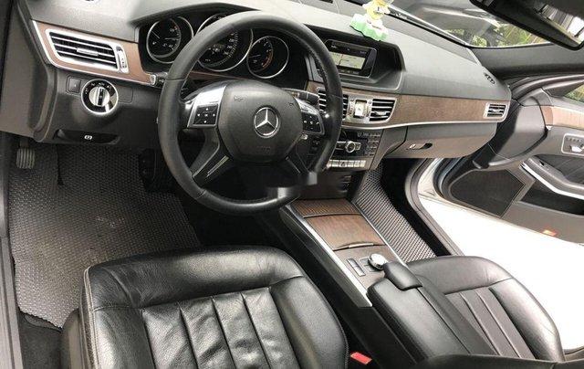 Bán Mercedes E200 năm sản xuất 2013, màu bạc số tự động, giá 870tr6