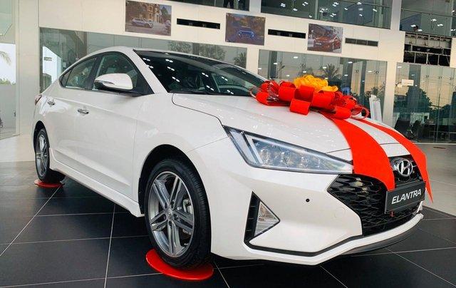 Hyundai Elantra ưu đãi cực khủng giảm ngay 32 triệu tiền mặt, full bộ phụ kiện, chạy 50% thuế trước bạ1