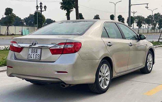 Bán Toyota Camry năm sản xuất 2013, màu vàng, nhập khẩu nguyên chiếc còn mới4
