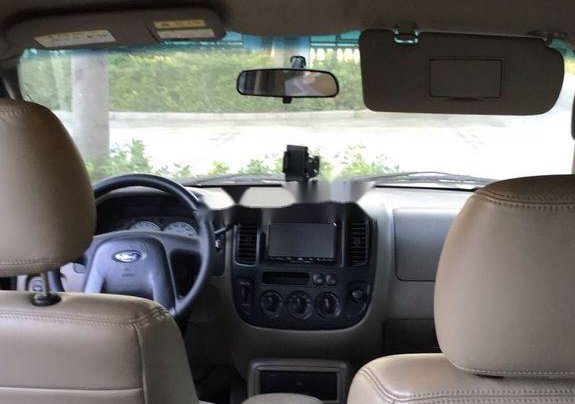 Cần bán lại xe Ford Escape năm 2010, xe nhập xe gia đình, giá 135tr5