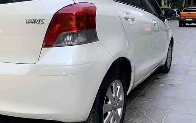 Bán Toyota Yaris sản xuất 2010, màu trắng, nhập khẩu còn mới3