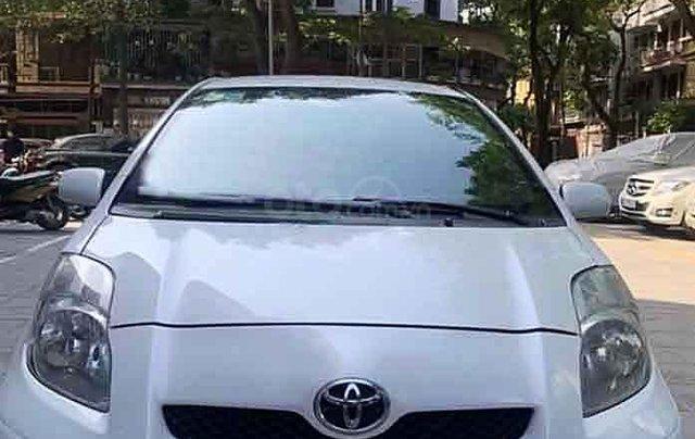 Bán Toyota Yaris sản xuất 2010, màu trắng, nhập khẩu còn mới2