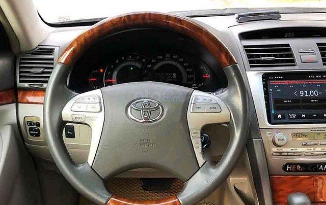 Cần bán gấp Toyota Camry năm sản xuất 2008, màu đen còn mới2