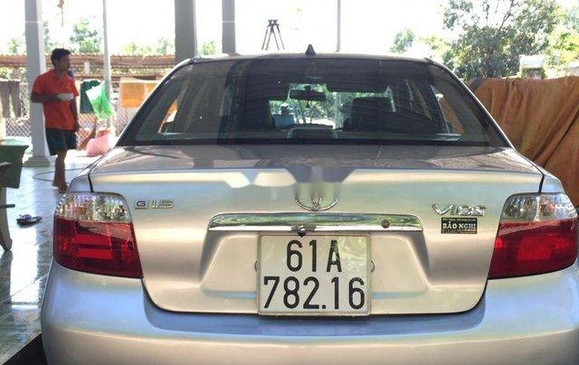 Cần bán xe Toyota Vios sản xuất năm 2005 còn mới4