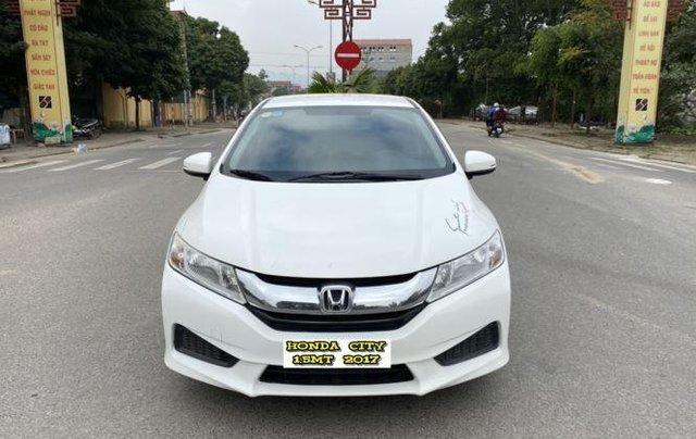 Cần bán xe Honda City 1.5MT 2017, màu trắng còn mới0