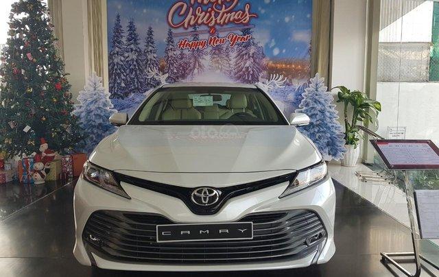Toyota Camry 2021 nhập giảm giá cực khủng, chỉ cần 300tr nhận ngay xế sang0