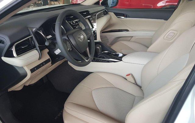 Toyota Camry 2021 nhập giảm giá cực khủng, chỉ cần 300tr nhận ngay xế sang7