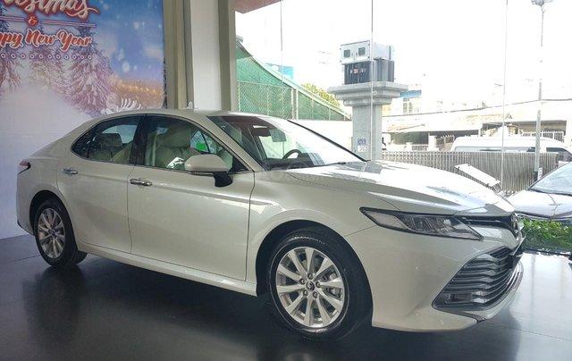 Toyota Camry 2021 nhập giảm giá cực khủng, chỉ cần 300tr nhận ngay xế sang4