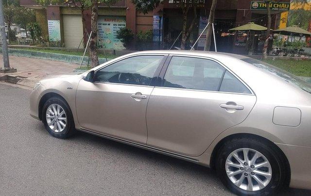 Bán Toyota Camry 2014 bản 2.0E, số tự động, xe đẹp bánh xơ cua chưa rớt6