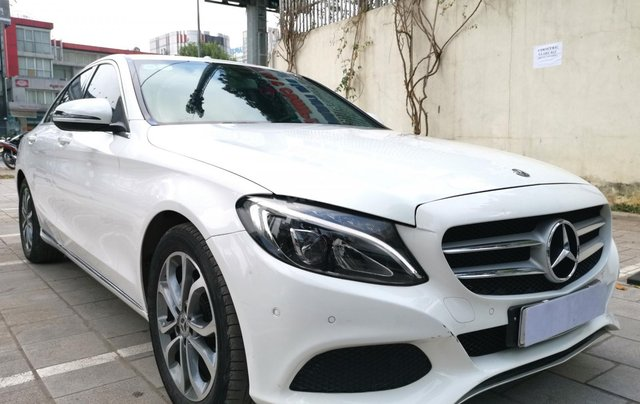 Bán nhanh chiếc Mercedes Benz C200 Model 20181