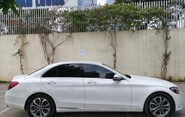 Bán nhanh chiếc Mercedes Benz C200 Model 20186