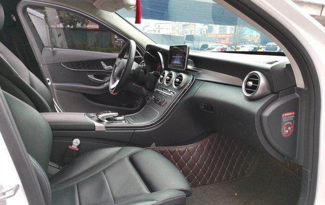 Bán nhanh chiếc Mercedes Benz C200 Model 201813