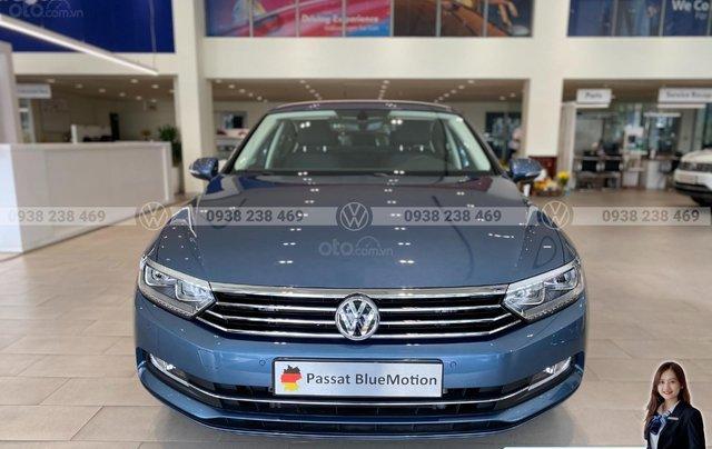 Passat Bluemotion màu xanh dương đẹp hiếm có - khuyến mãi 12 % - Sedan nhập khẩu 100% Đức0