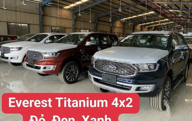 Ford Everest Titanium 2021 giá ưu đãi, tặng phụ kiện chính hãng, có xe giao ngay1