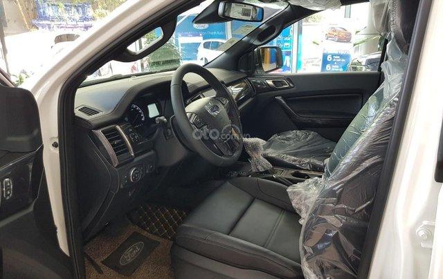 Ford Everest Titanium 2021 giá ưu đãi, tặng phụ kiện chính hãng, có xe giao ngay2