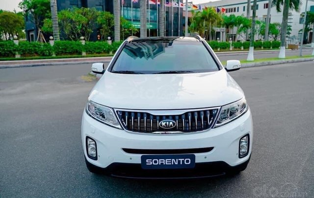 Kia Sorento 2.2 DAT Premium trắng, có xe giao trong tháng 1, tặng BHVC0