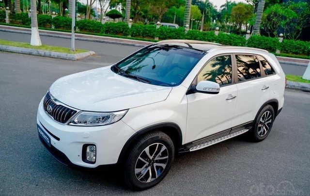 Kia Sorento 2.2 DAT Premium trắng, có xe giao trong tháng 1, tặng BHVC2